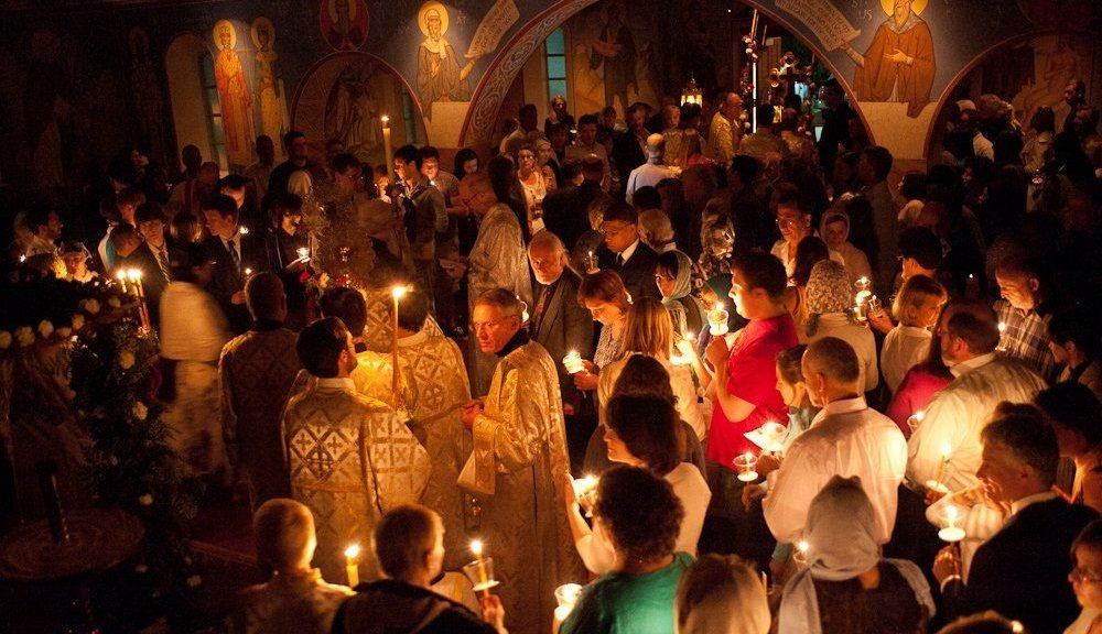 Orthodox-Easter-church-service