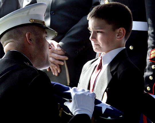 little-kid-crying-dad-funeral-soldier