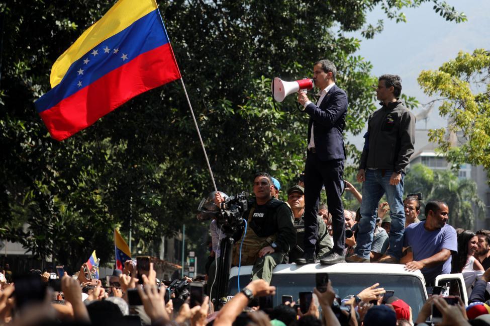 Venezuela-fights-for-democracy